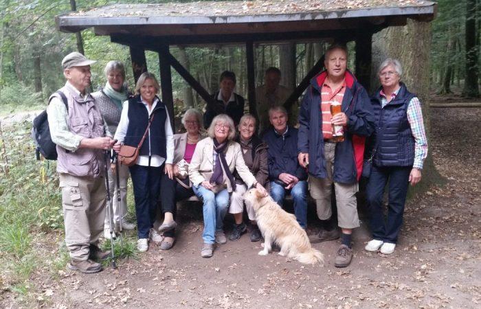 Die Wandergruppe bei einer Pause