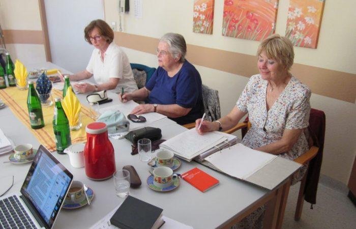 Autorinnen bei der Arbeit