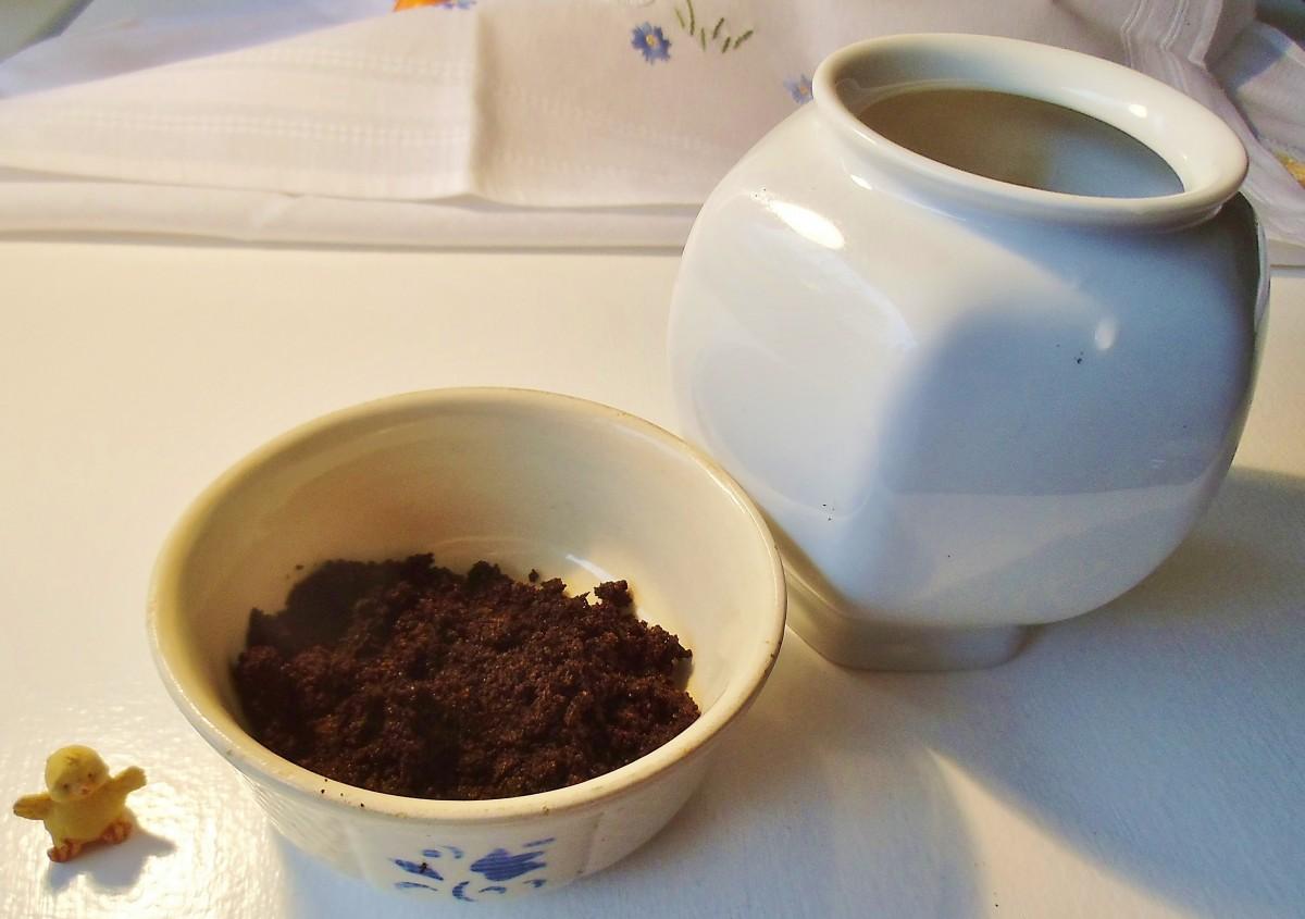 Kaffeesatz in einer Schale