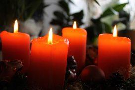 vier rote Adventskerzen (Foto: pixabay)
