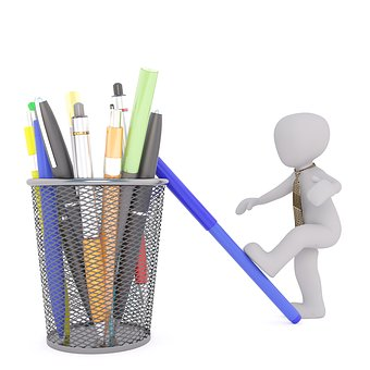 Kugelschreiberflecken, Comic, Becher mit Stiften und Männlein (pixabay)
