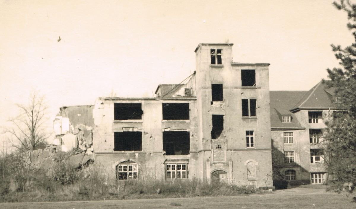 Zerstörtes Haus P 2