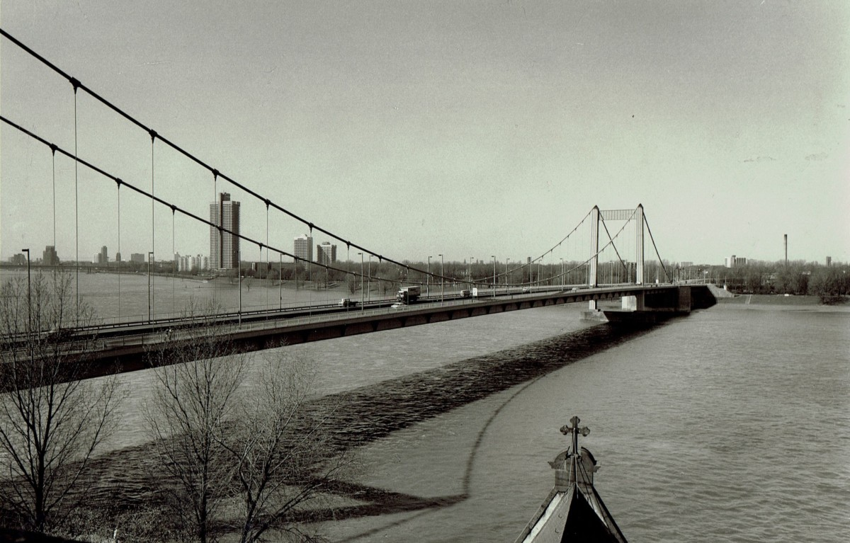 Fertige Brücke im Jahr 1977