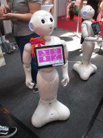 der Pflegeroboter Pepper auf der Seniorenmesse in Dortmund