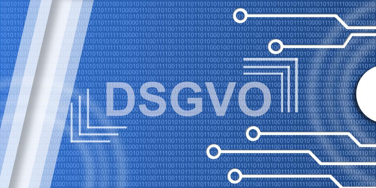 Blauer Hintergrund Platinenstege in weiss und mittig DSGVO Datenschutzgrundverordnung