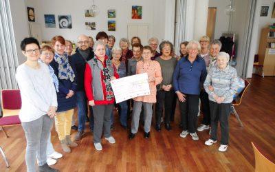 Villa Friedlinde: Handarbeitsgruppe spendet für einen guten Zweck
