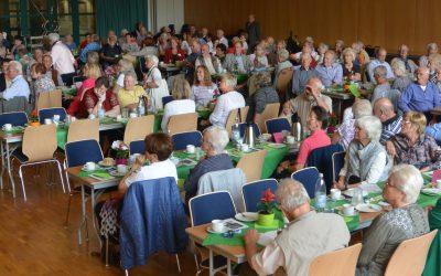 140 Senioren verbrachten einen interessanten Nachmittag